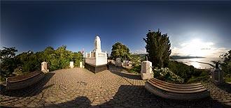 Yarbay Topal Osman Ağa Mezarı ve Anıtı
